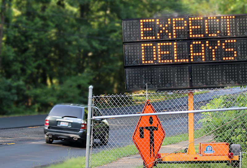 Expect Delays electronic sign