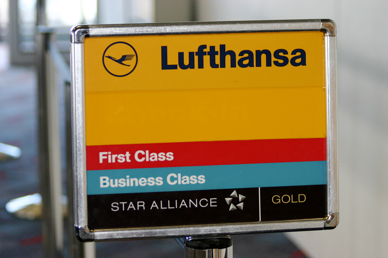 Lufthansa boarding sign
