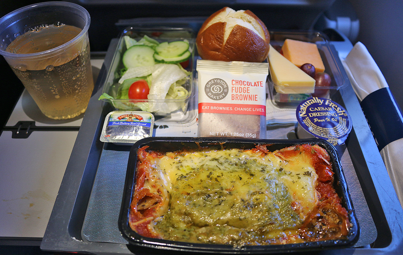 Airbus A350-900 Delta Air Lines meal